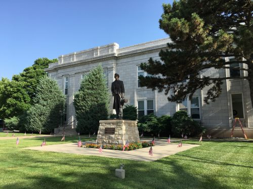 Abraham Lincoln in front of Leavenworth City Hall
