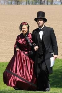 Larry and Mary Elliott as Abe and Mary Lincoln