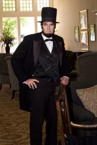 Jim Crabtree as Abraham Lincoln