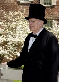 Tom Cecil as Abraham Lincoln
