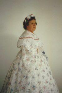 Dorothy McClerren as Mary Lincoln
